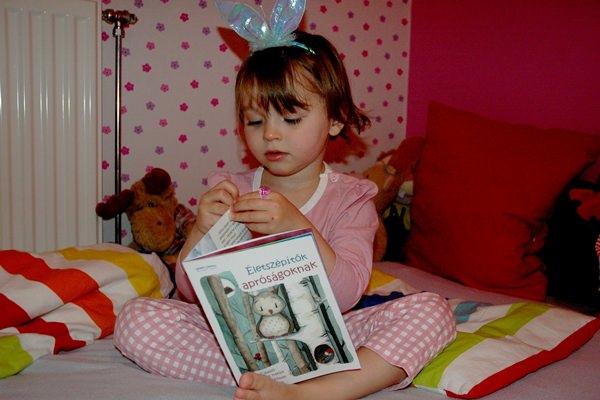 Egyik bájos 'olvasónk', Lili