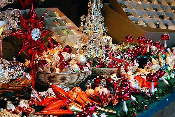 Karácsonyfadíszek Frankfurter Nachrichten Reisen Kugelmarkt in Lauscha