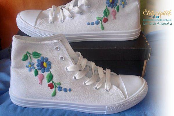 Hímzett tornacipők