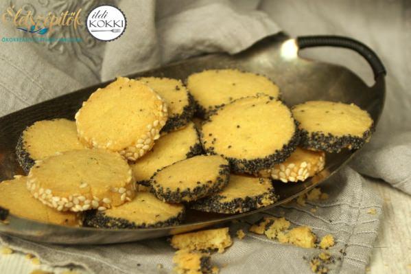 Parmezános keksz
