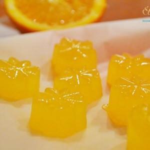 Narancszselé frissen facsart narancsléből