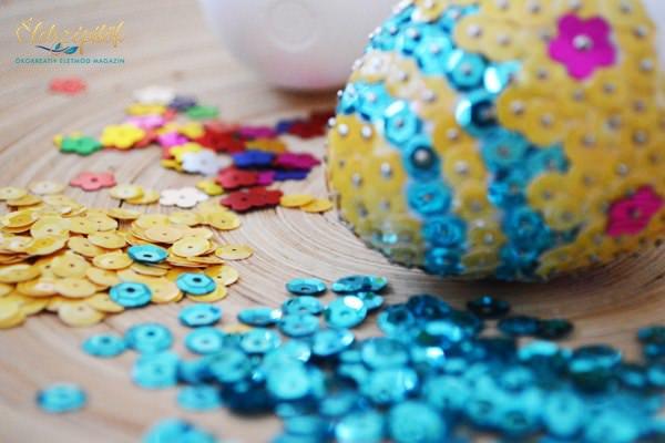 Húsvéti glamour: tojásdíszítés varrható flitterrel