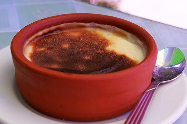 Tradicionális török desszert: sült tejberizs