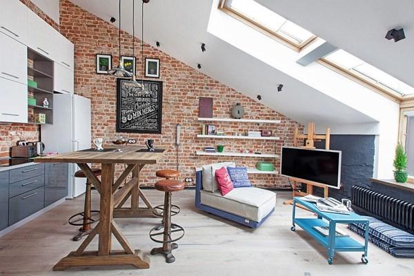 Kicsi, de nagyvonalú. Ipari stílus: tetőtéri miniloft egy régi gyárépületben