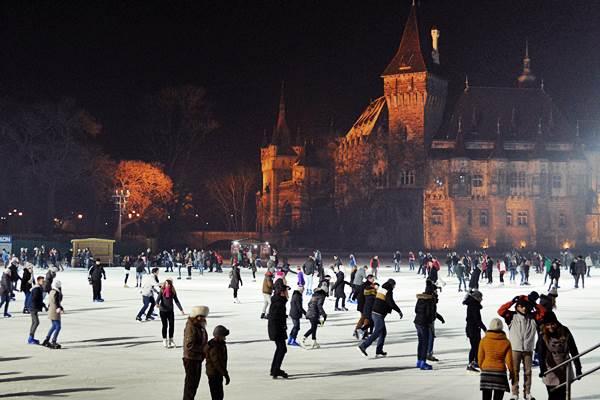 Műjégpálya tél korcsolya budapest