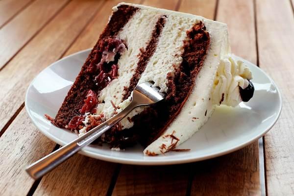 Fekete-erdő torta. Nagymama legjobb süteményei – könyv- és receptismertető