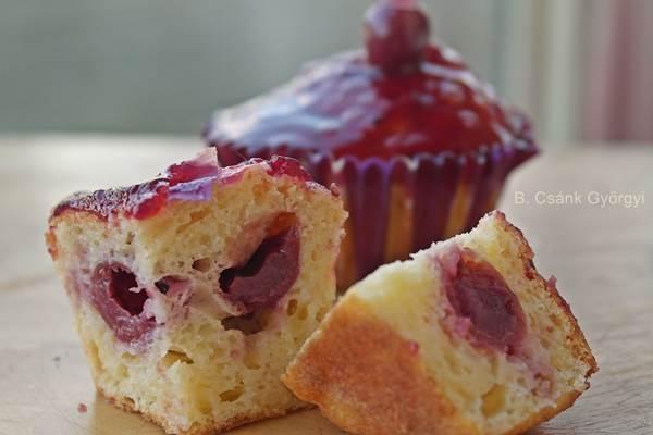 túrós meggyes muffin