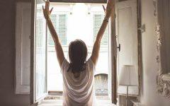 woman_window600