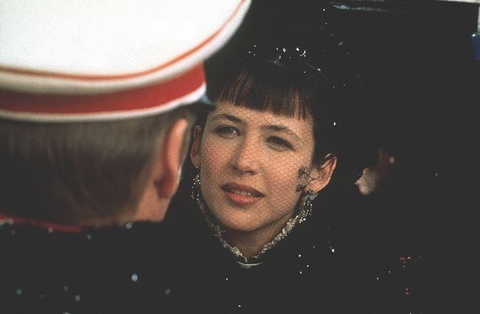 Anna Karenina / Anna Karenina USA 1996 Regie: Bernard Rose; Bernhard Rose Darsteller: Sean Bean, Sophie Marceau Rollen: Graf Wronskij, Anna Karenina
