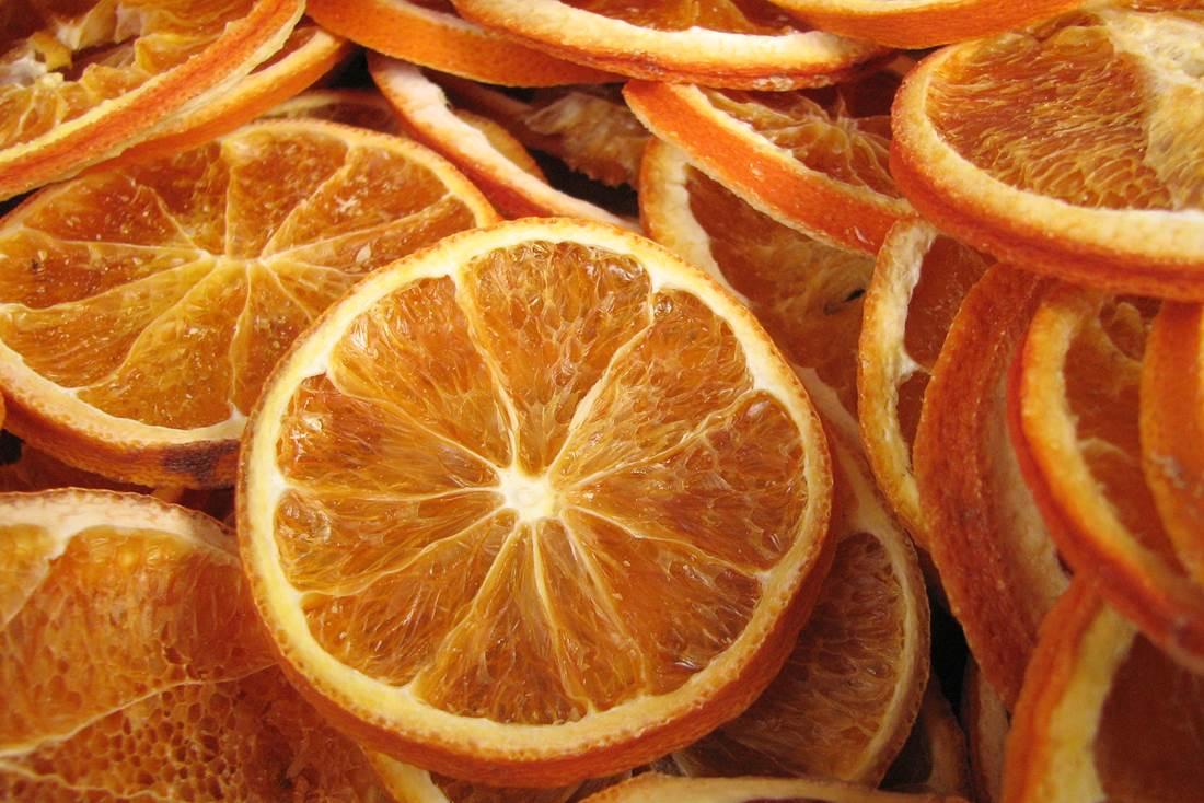 Illatos és természetes díszek. Dekoráljunk szeletelt naranccsal! Praktikák házilagos szárításhoz