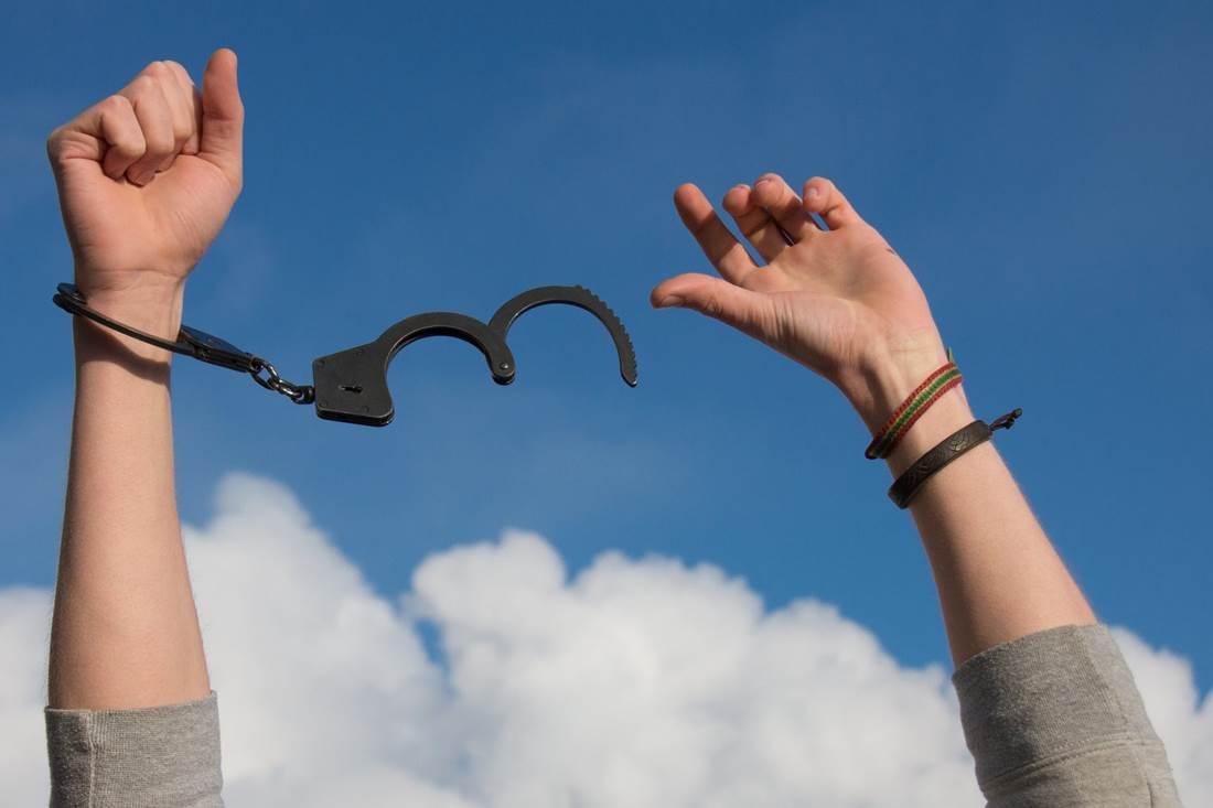 Szokásaink, vágyaink, avagy rabok vagyunk vagy szabadok? A tudatos változás megértésében segít Szondy Máté mindfulness könyve