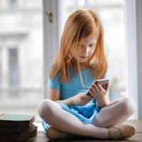 Kütyüfüggő gyerekek zajos magánya